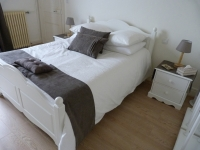 Chambre 2 personnes de l'appartement Acanthe (location à Néris-Les-Bains)